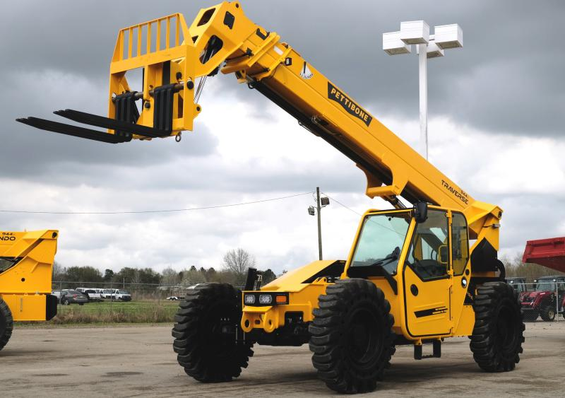 Pettibone Traverse telehandlers with Bracing Systems Inc.