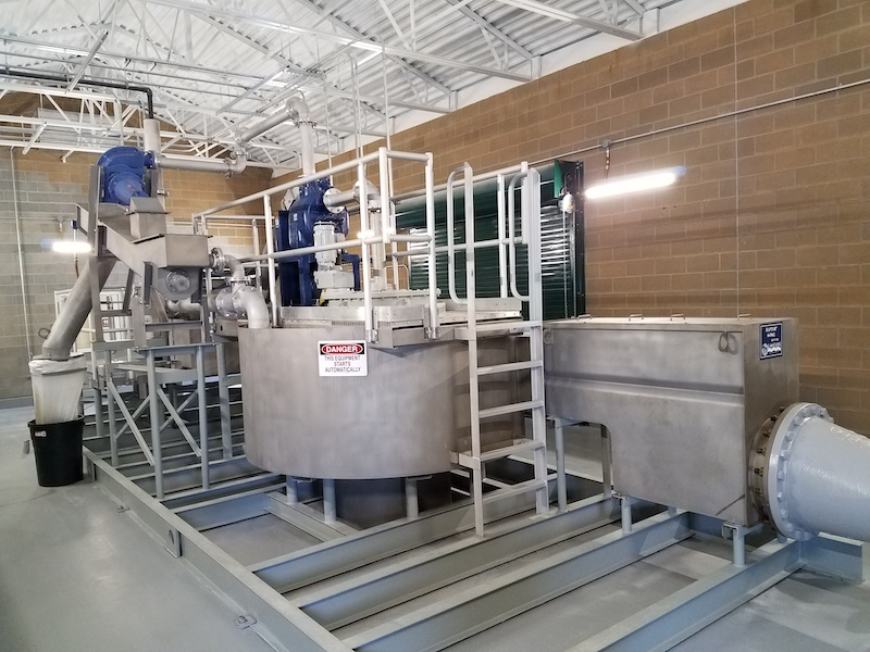Fine screen headworks aid aging lagoons with grit removal