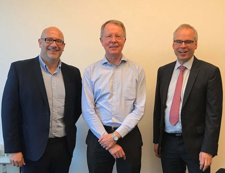 Julian Lowe, International Sales Director, Modern Water (left) and Peter Nicoll, Technical Director, Modern Water (right) with Dr. Gunter Rencken, Technical Director from WEC Projects of South Africa.
