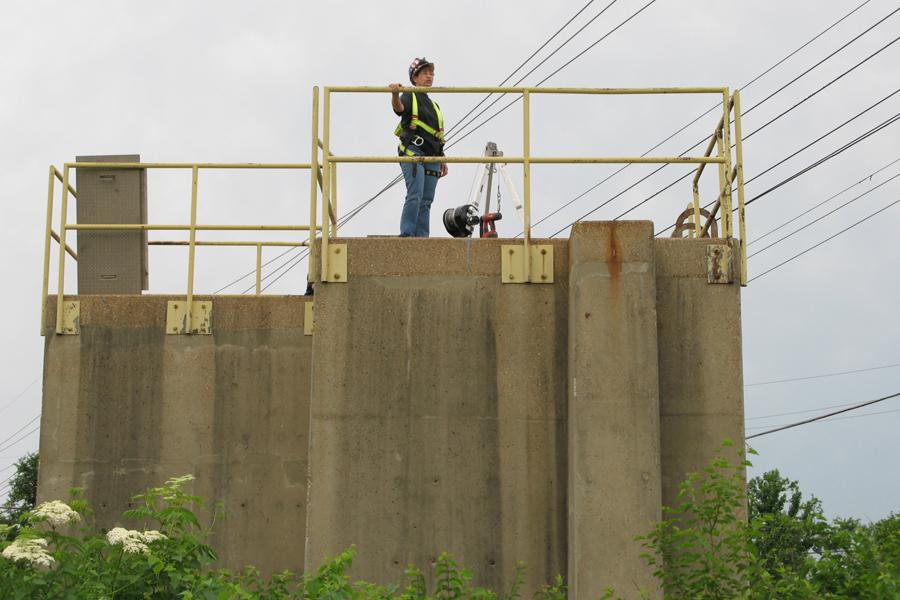 Experimental sewer structure rehabilitation finds success